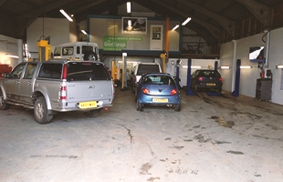 R&B Vehicle Services worksjop - MOT Testing & Servicing in Tetbury